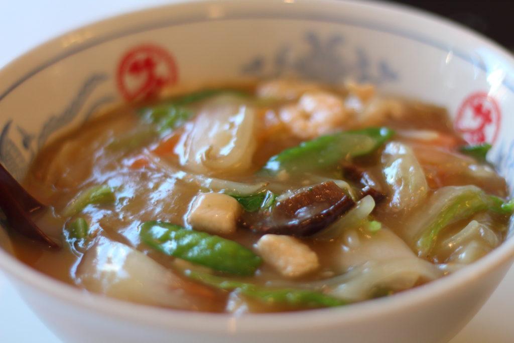 出演者が食事をした中華のサカイ本店